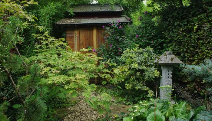 pays-alesia-seine-auxois-Abbaye-de-Flavigny-Fabrique-dAnis-Jardin-japonnais-mussy-la-fosse-03