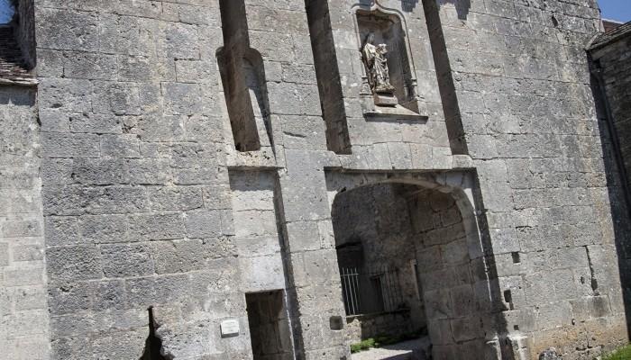 pays-alesia-seine-auxois-Abbaye-de-Flavigny-Fabrique-dAnis-Porte-du-Bourg