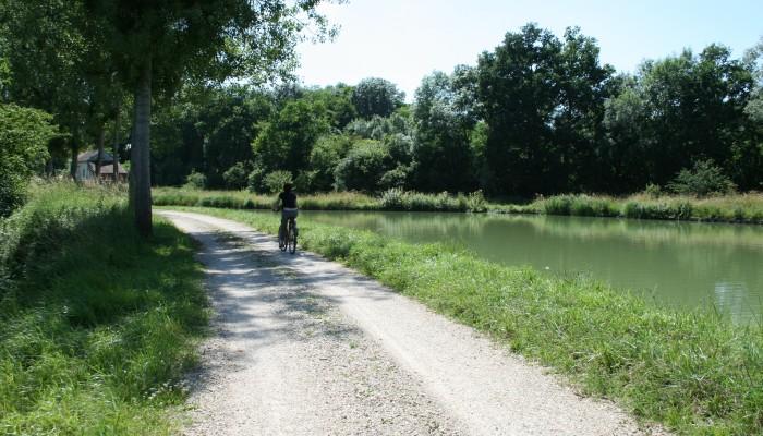 pays-alesia-seine-auxois-canal-bourgogne-chemin-bateau-Jacques-Lepourcelet
