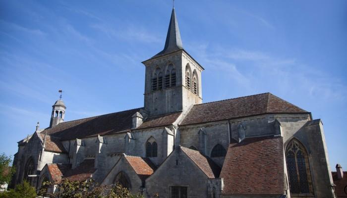 pays-alesia-seine-auxois-Abbaye-de-Flavigny-Fabrique-dAnis-Eglise