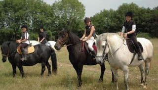 pays-alesia-seine-auxois-bourgogne-thenissey-equitation-cavaliers
